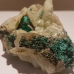Brochantite on Barite